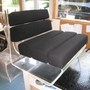 fauteuil en plexiglass
